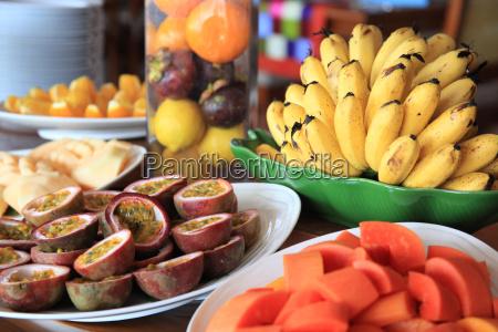 esposizione di frutta fresca
