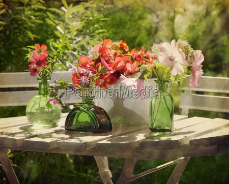 garden motif retro style
