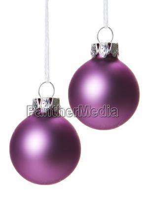 palline di natale rosa isolato impiccagione