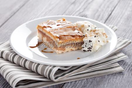 torta di mele con gelato