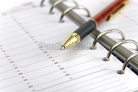 organizzatore con la penna
