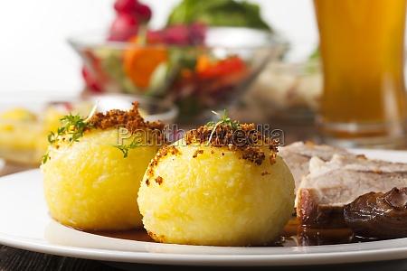 gnocchi di patate e arrosto di
