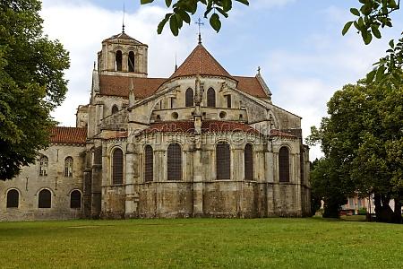 religione chiesa francia basilica borgogna