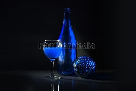 bicchiere bere liquido vino bottiglia ubriaco
