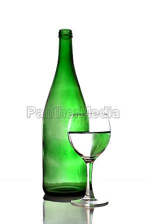 bicchiere bere liquido verde vino bottiglia