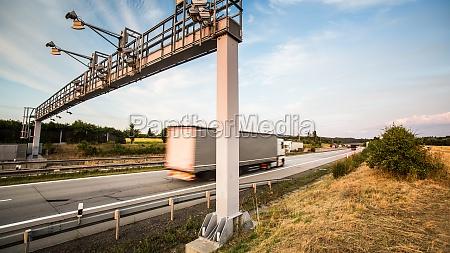 movimento in movimento traffico cancello portale