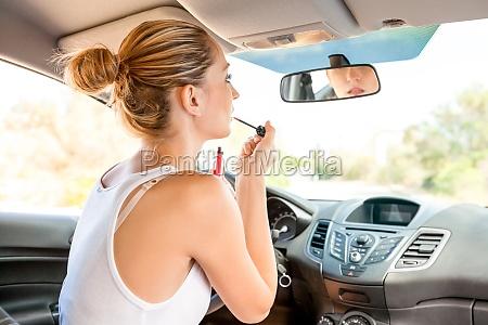 guidare auto veicolo mezzo di trasporto