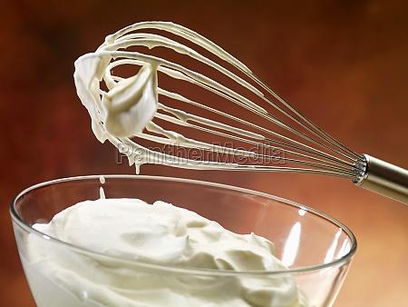 cibo panna crudo pasto frusta ingredienti