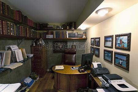 casa costruzione libro sedia da ufficio
