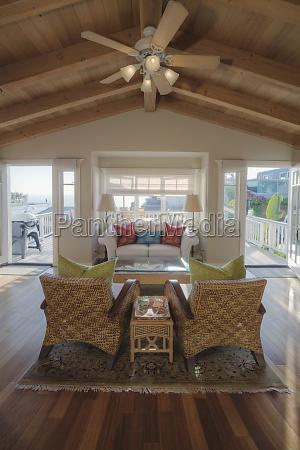 sedia poltrona casa costruzione arredamento legno
