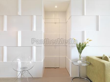 interni moderni con anta mimetizzato con