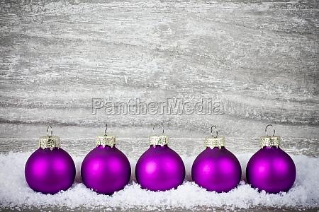 palle di albero di natale viola