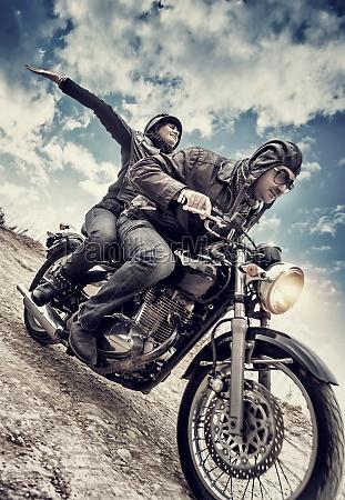 coppia attiva sulla moto