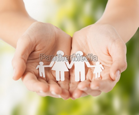 mani womans con carta padre di