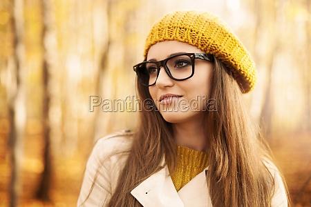 ritratto, di, bella, donna, che, indossa - 12109884