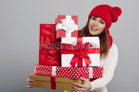 smiling young woman in winter hat