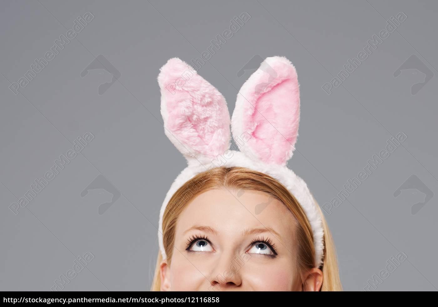 coniglietto, di, pasqua, donna, alzata - 12116858