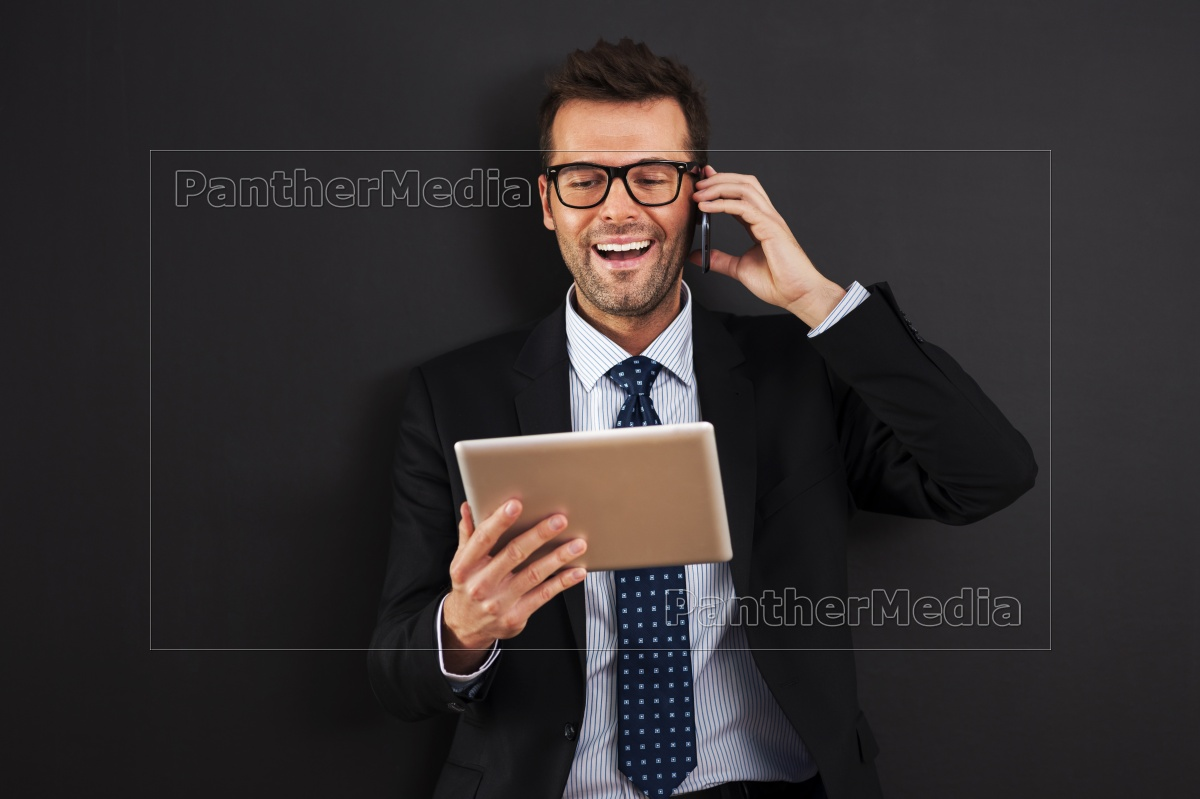 handsome, businessman, working, with, mobile, phone - 12116116