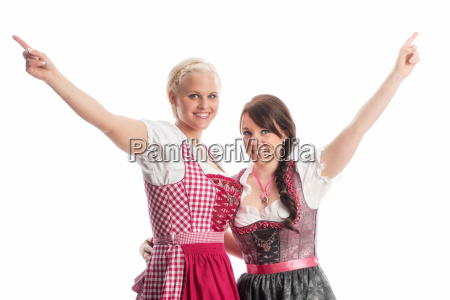 2 girls at the oktoberfest