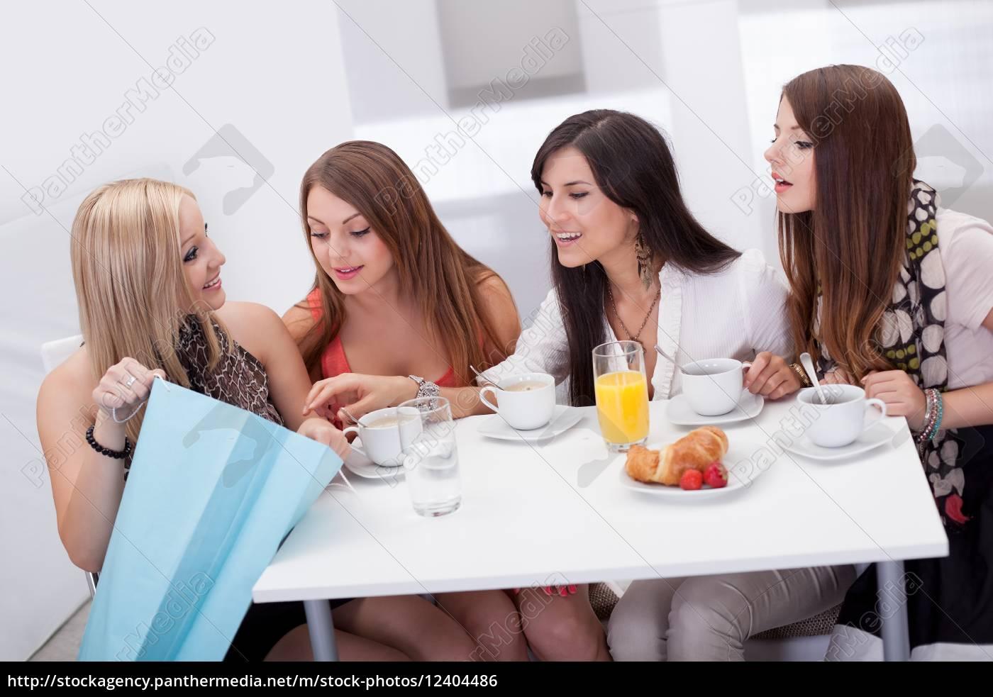 amici, delle, donne, in, cerca, ad - 12404486