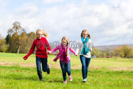 campo rabbia ragazza ragazze foresta bambino