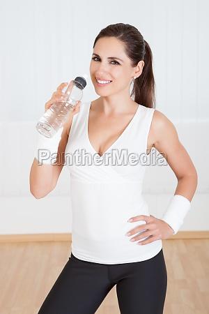 atletico donna bere acqua