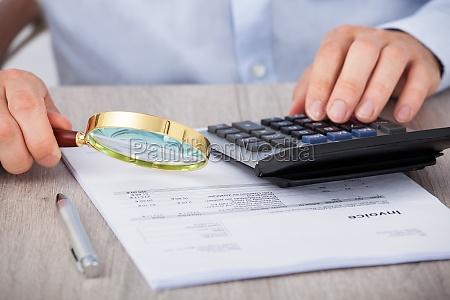 bicchiere calcolatore elaboratore assicurazione finanziario indagine