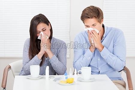 coppia sofferenza dal freddo alla tabella