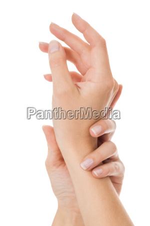 sensuali mani femminili di una donna