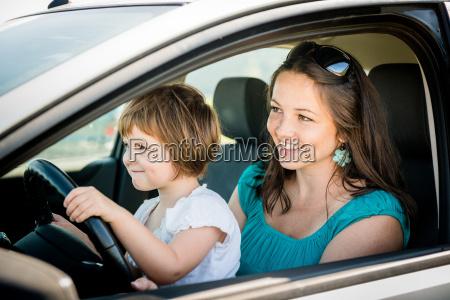 donna interno persona auto veicolo mezzo