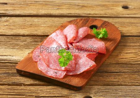 fette sottili di salame