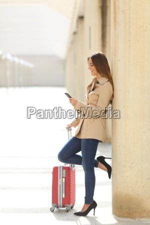 donna telefono viaggio viaggiare affare affari