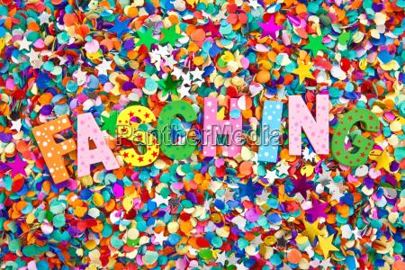 carnevale in lettere colorate
