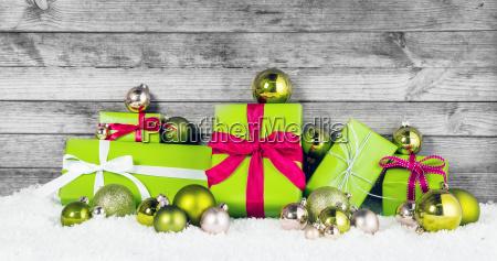 mela verde decorazioni di natale sulla