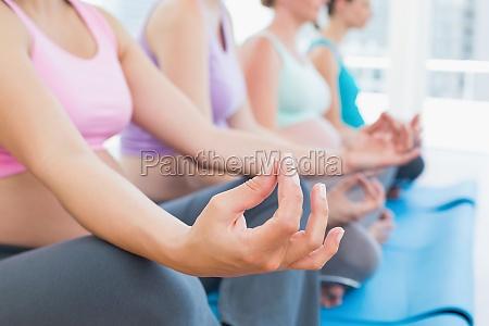 le donne in gravidanza pacifici meditando