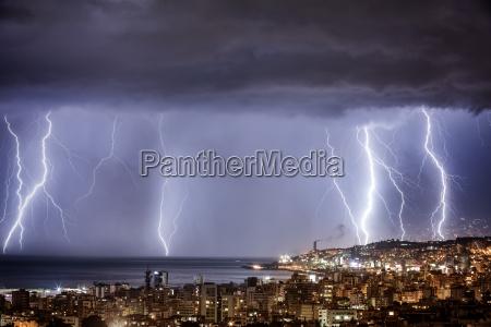 notte tempesta temporale fulmine cerniera meteo