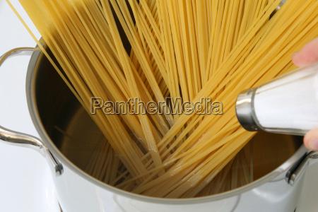 spaghetti pasta cucinare