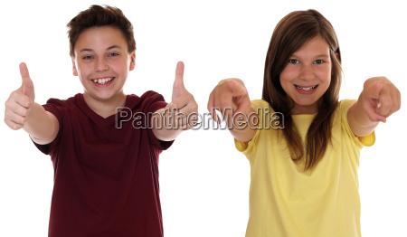 i bambini ridono hanno successo e