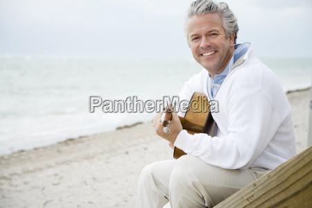 risata sorrisi uomini uomo esistere vivere