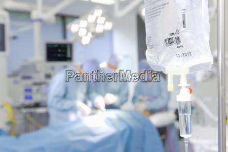 a concentrazione chirurghi che effettuano operazioni