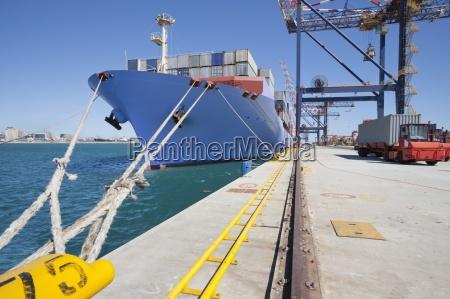 industria traffico nave container luce soleggiato