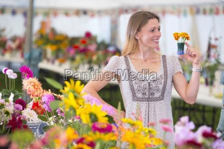risata sorrisi spettacolo agricolo fiore pianta
