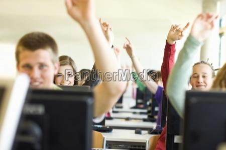 studenti in classe seduti presso le