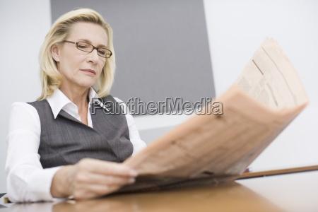 giornale tageblatt ufficio orizzontale occhiali vista