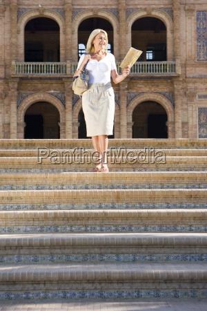 donna maggiore con passaggi mappa turistica