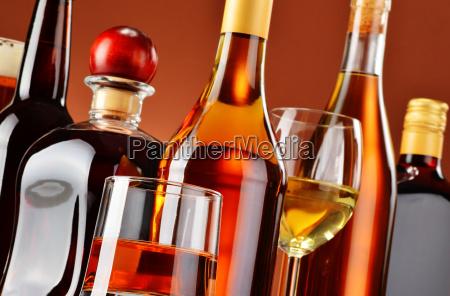 bicchiere bere alcool bottiglia bibita spettrale