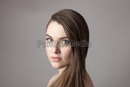 donna colore benessere femminile ritratto orizzontale
