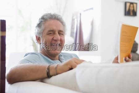 educazione colore relax virile mascolino ritratto