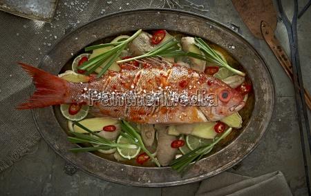 cibo spezia asia pescare thailandia piatto