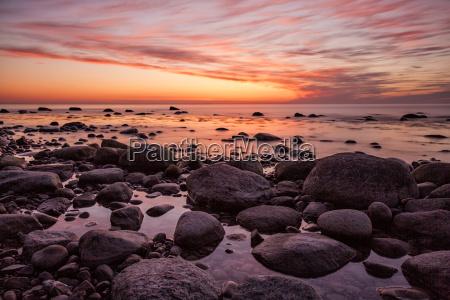 tramonto sulla costa baltica